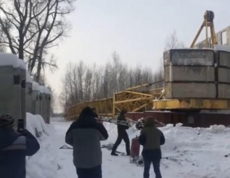 В Кировской области упал башенный кран