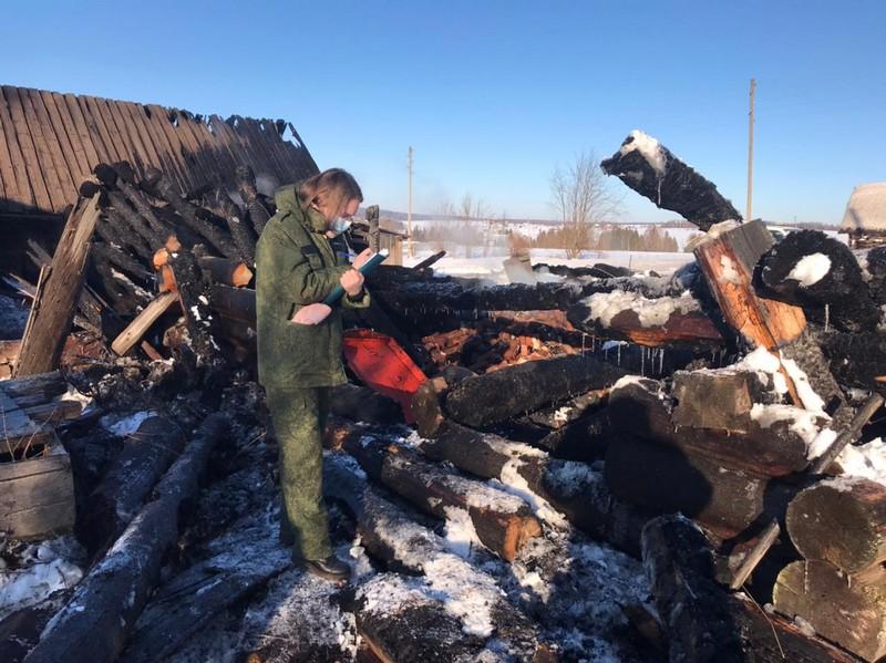 В Кировской области в огне погибли двое мужчин