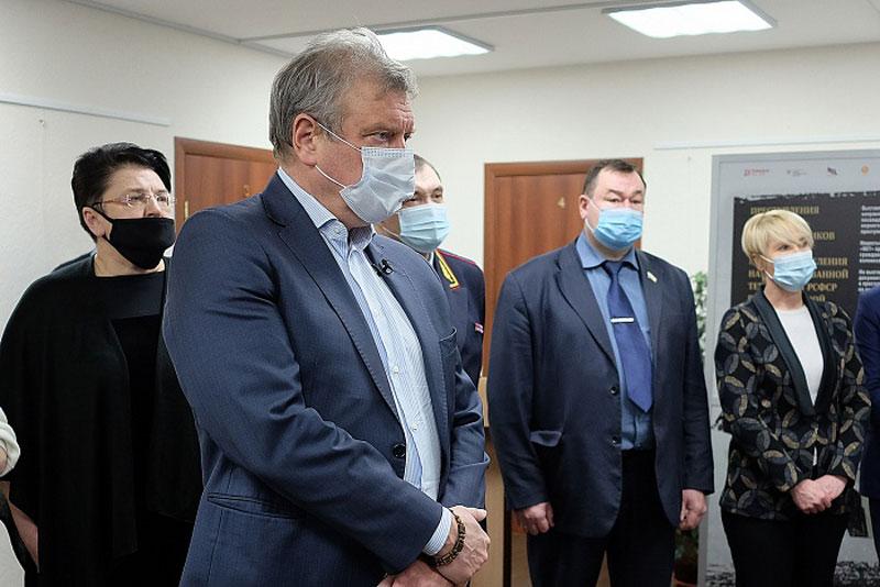 В Кирове открылась выставка рассекреченных военных документов