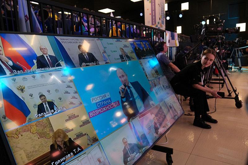 Участники «Большой перемены» из Кирова пообщались с Путиным