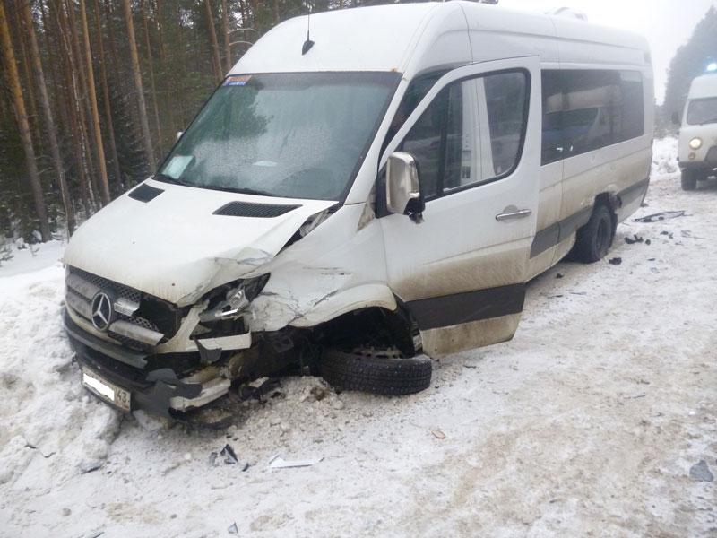 На выезде из Кирово-Чепецка произошла массовая авария