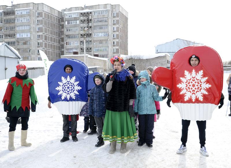 «УРАЛХИМ» и жители микрорайонов Кирово-Чепецка проводили зиму