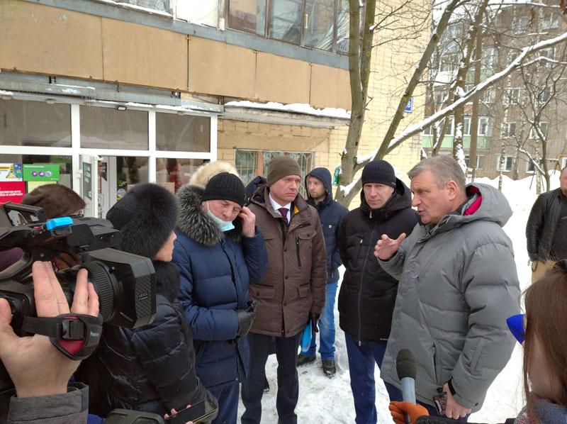 Игорь Васильев оценил кировские крыши и дворы