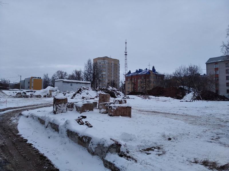 В Кирове началась расчистка участка под новую школу