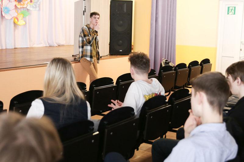 В Кировской области появились старшеклассники-наставники