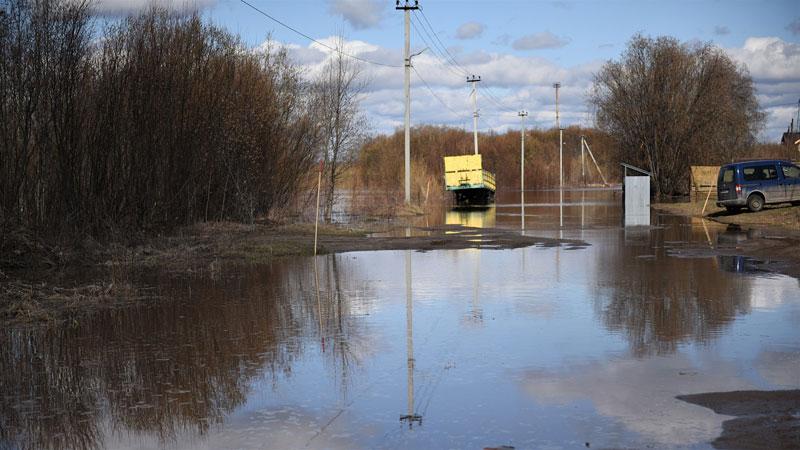 Из-за паводка в Кирове запретили проезд в Дымково