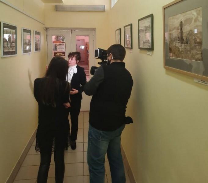 В Кировской области открыта выставка картин, написанных нефтью
