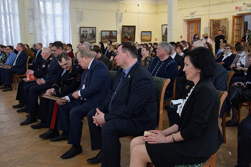 В Кирове назвали «Книгу года – 2020»