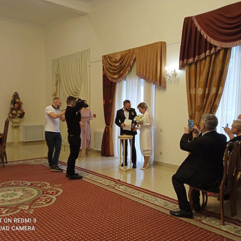 Ведущая Первого канала из Кирова вышла замуж