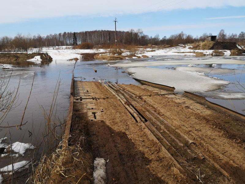 В Пижанском районе восстановили движение по размытой трассе