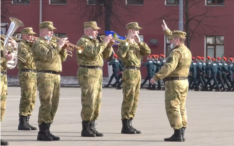 В Кирове начались репетиции парада Победы
