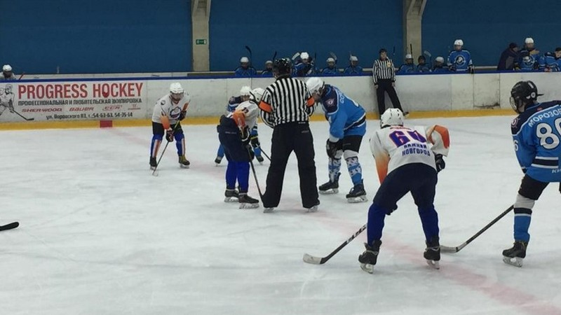 Кировские хоккеисты разгромили соперников