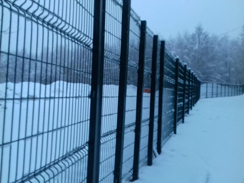 ВятГУ обнесли зеленым забором
