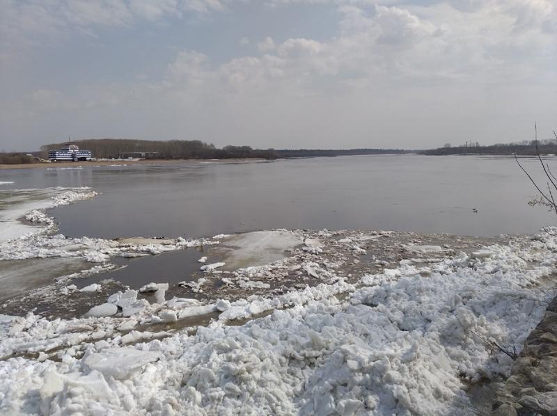 На Вятке начался ледоход