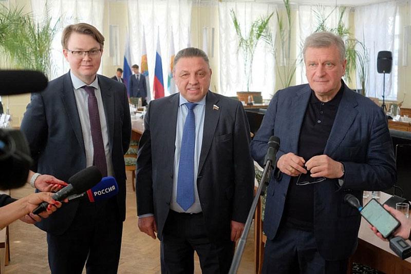 Члены Совфеда и кировские власти обсудили послабления для бизнеса