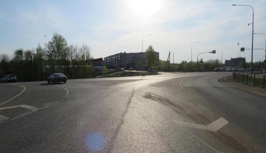 У кировского ЦУМа сбили мотоциклиста