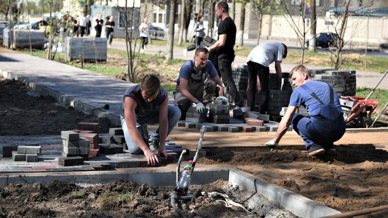 На Октябрьском проспекте обновят аллею и обустроят новый сквер