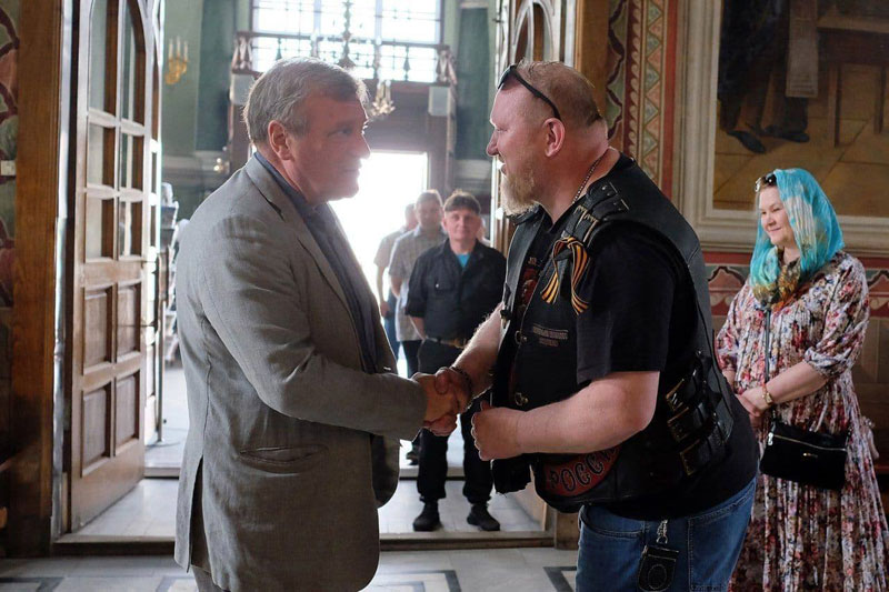Байкеры из трех легендарных мотоклубов Кирова открыли мотосезон молебном