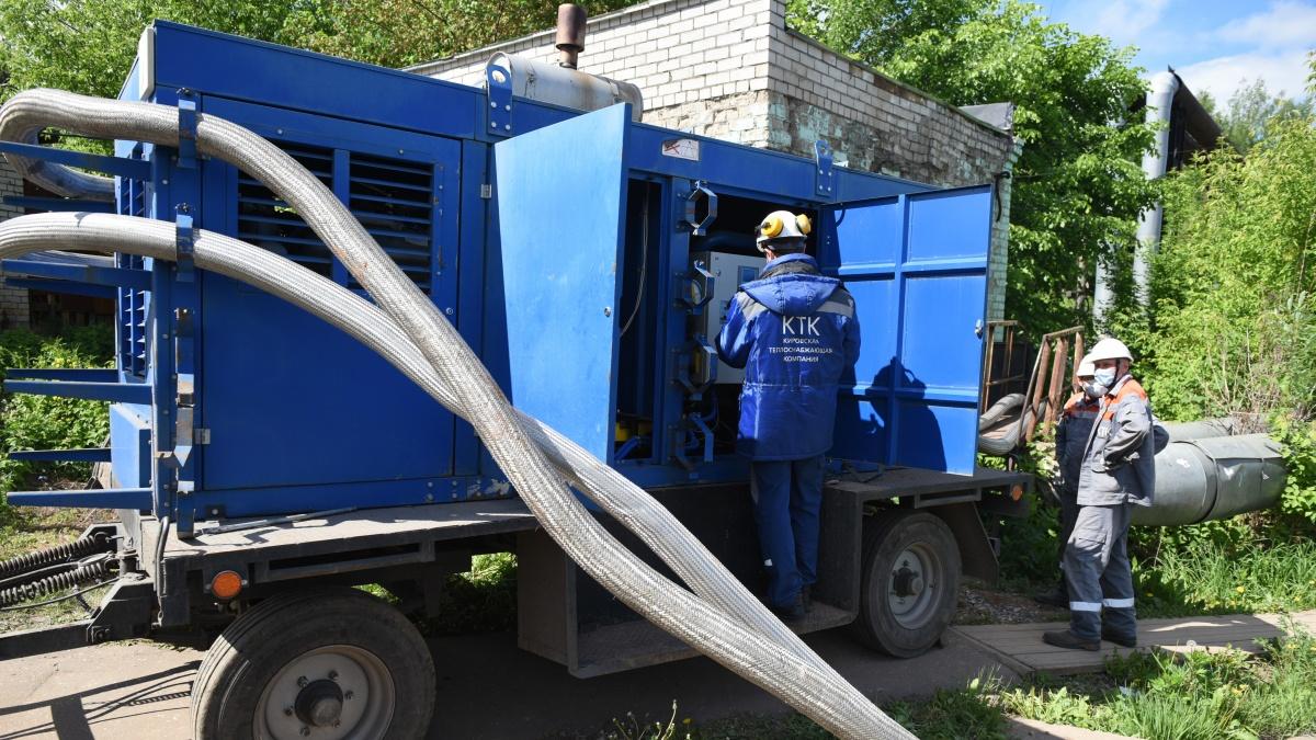 За две недели на теплосетях Кирова нашли 26 проблемных мест