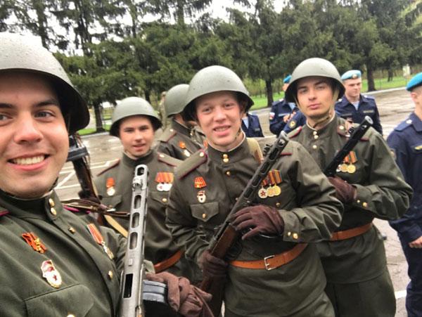 Жители Кировской области поделились снимками с парада Победы в столицах