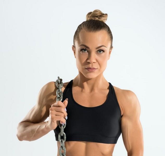 Анастасия Тюлькина из Кирово-Чепецка взяла «серебро» на международном турнире по бодибилдингу