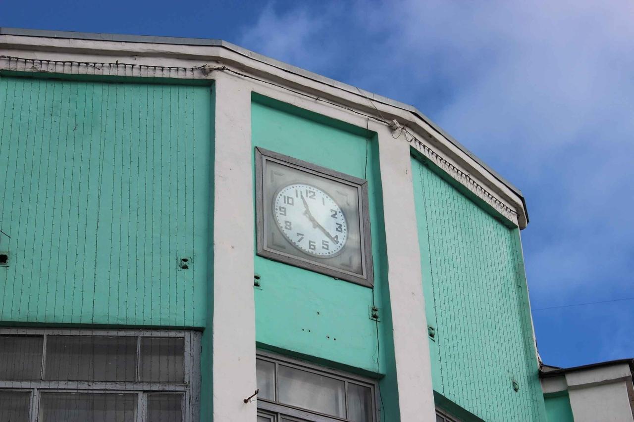 Кировчанам не понравились новые часы на площади Лепсе