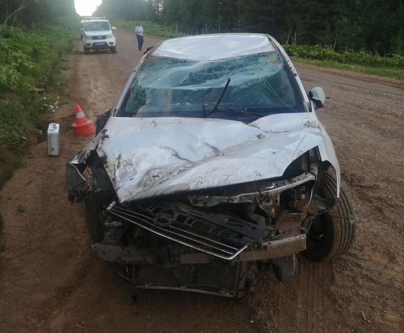 В Кировской области перевернулись 2 автомобиля