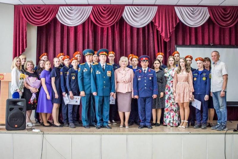 В кировской гимназии состоялся первый выпуск казачьего кадетского класса