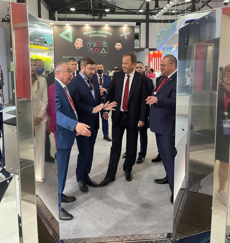 Игорь Комаров принял участие в международном экономическом форуме