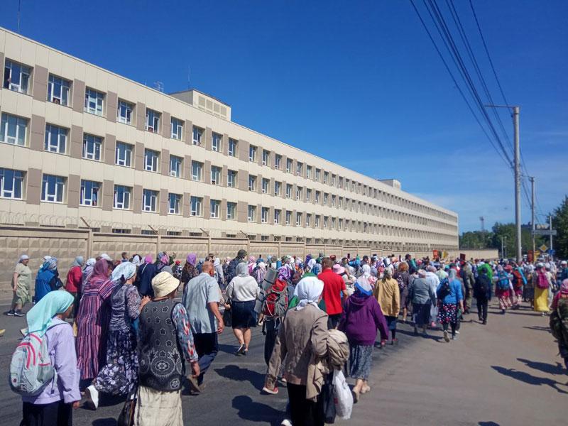 Во время крестного хода к медикам обратились 1,5 тысячи паломников