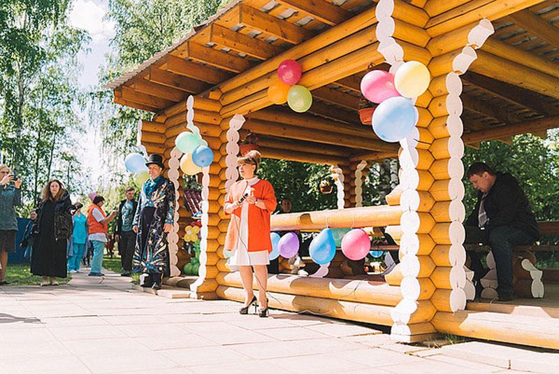 В детской областной больнице в Кирове открыли детскую площадку