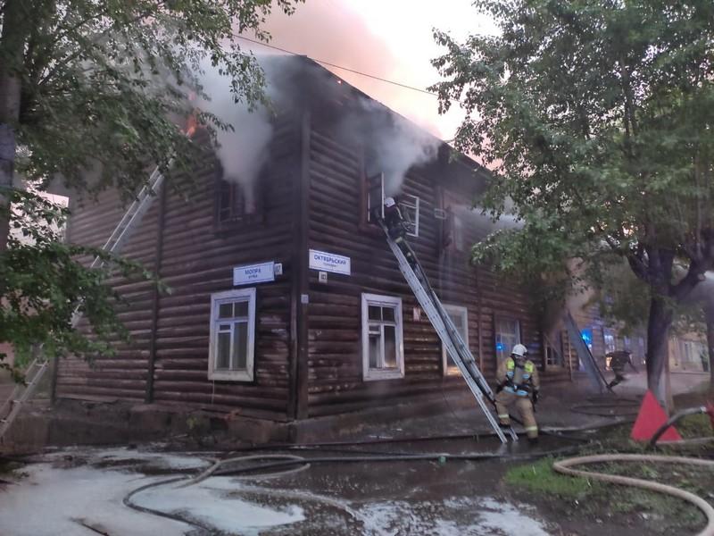 В центре Кирова сгорел жилой дом