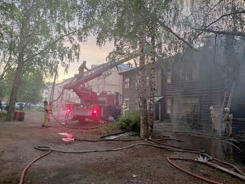 Сгоревший на Октябрьском проспекте дом должны были расселить через 2 года