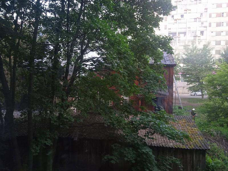 Ночью в Кирове загорелся жилой дом