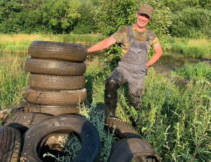 Кировские общественники пытались очистить Люльченку от покрышек