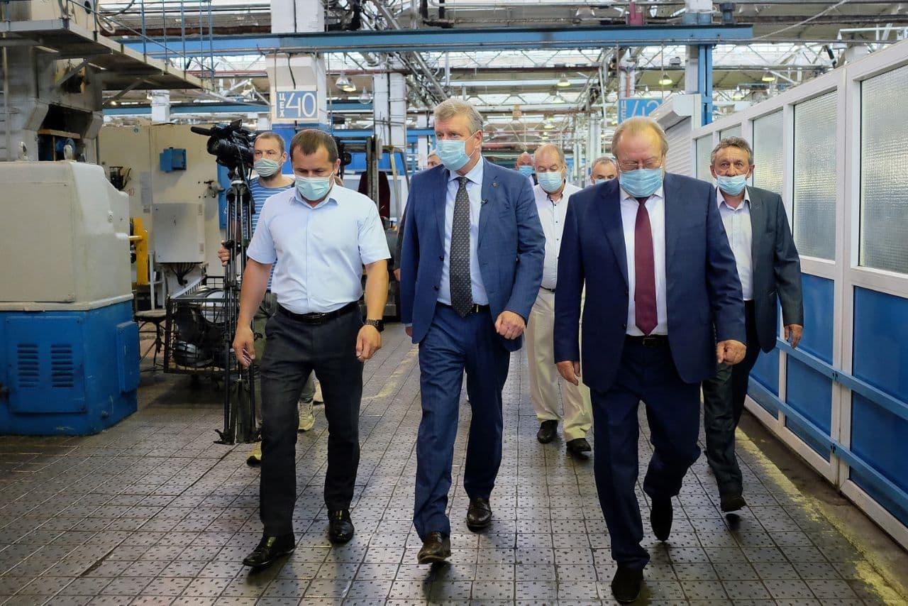 Игорь Васильев на заводе «Лепсе» обсудил волнующие рабочих вопросы