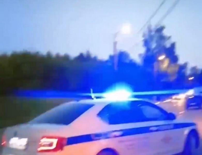 В Кирове пьяного автовладельца пристегнули к дереву