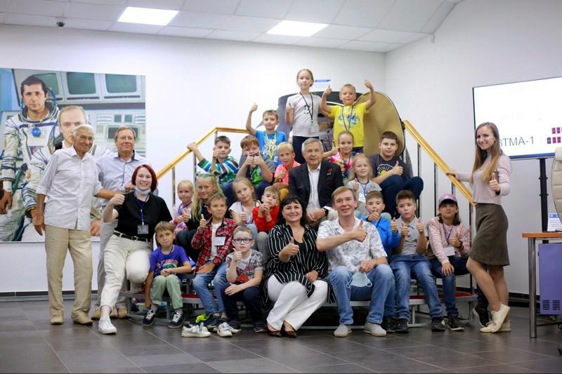 Кировчане встретились с лётчиком-космонавтом Виктором Савиных