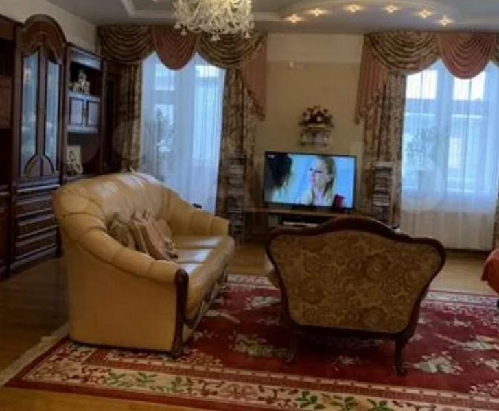 В центре Кирова продается квартира с сауной и бильярдной