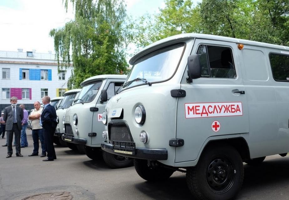 Районные больницы Кировской области получили новые автомобили